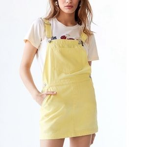Urban Outfitters Yellow Overall Dress 🌼🌼🌼